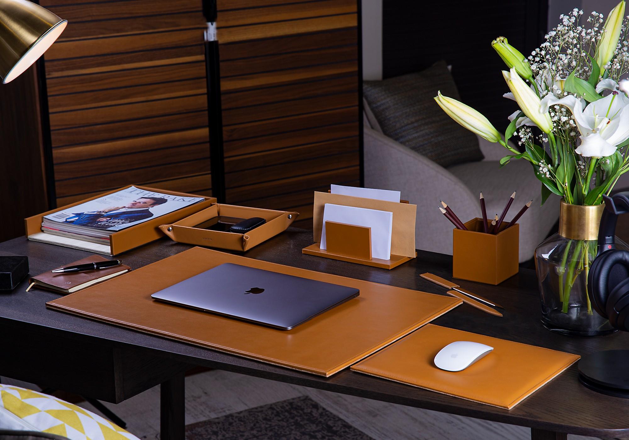 mens office decorating ideas.htm leather desk sets  leather desk sets
