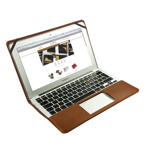 Funda de cuero para MacBook Air de 11 pulgadas - Camel - Piel Coco Grabado