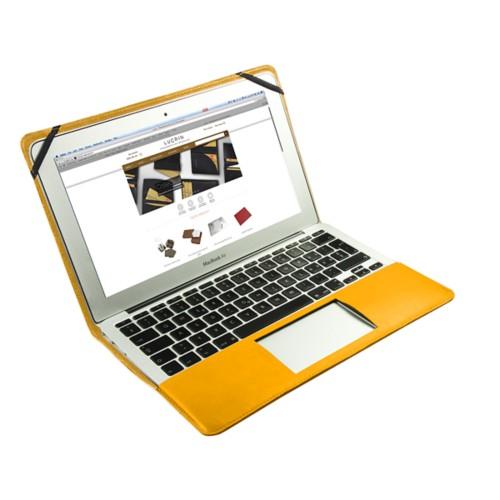 Scrigno semirigido in cuoio per MacBook Air 11 pollici - Giallo sole - Pelle Liscia