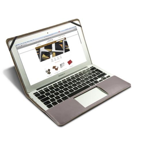 Funda de cuero para MacBook Air de 13 pulgadas - Taupe Luz - Piel Coco Grabado