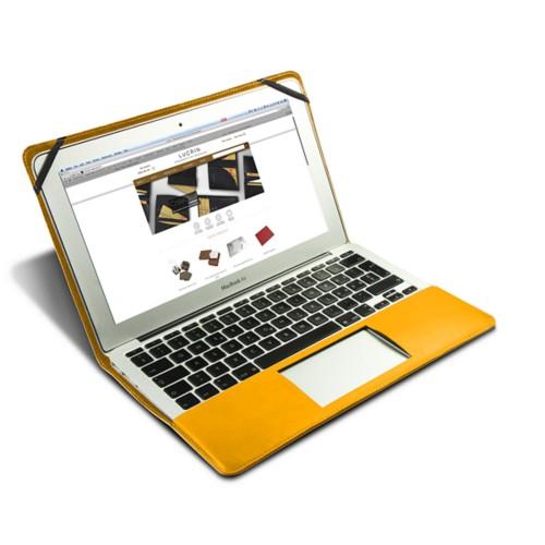 Scrigno semirigido in cuoio per MacBook Air 13 pollici - Giallo sole - Pelle Liscia