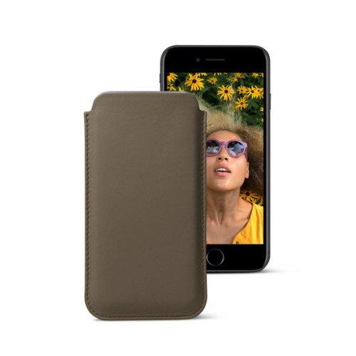 Classic case for iPhone 7 - Dark Taupe - Smooth Leather