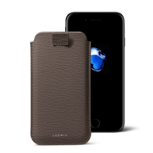 Funda para iPhone 7 Plus con lengüeta - Marrón topo - Piel de Cabra