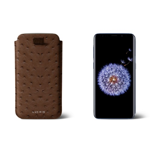Samsung Galaxy S8+ pouch with pull-up strap - Tobacco - Real Ostrich Leather