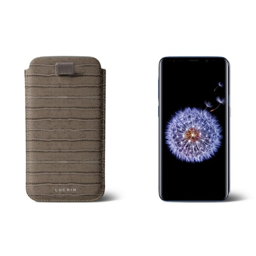 Samsung Galaxy S8+ pouch with pull-up strap - Light Taupe - Crocodile style calfskin