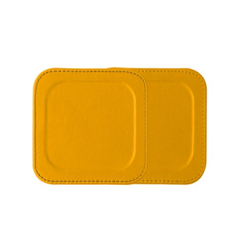 Square coaster with rim