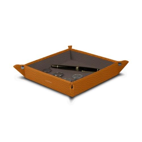 Quadratisches Taschenleerer (21 x 21 x 3.5 cm) - Safrangelb-Dunkeltaupe - Ziegenleder