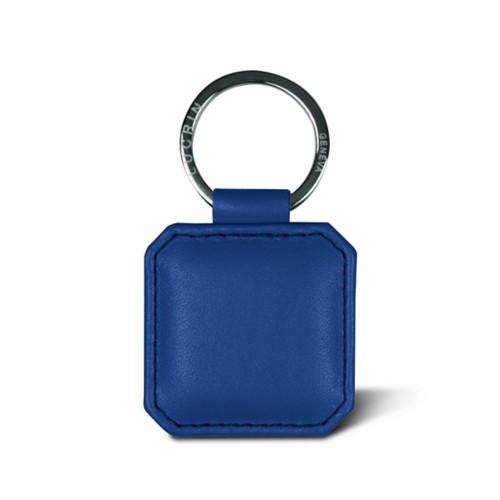 Quadratischer Schlüsselring mit eingedrückten Ecken