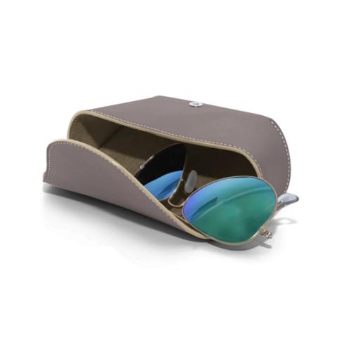 Funda de gafas con solapa semirrígida