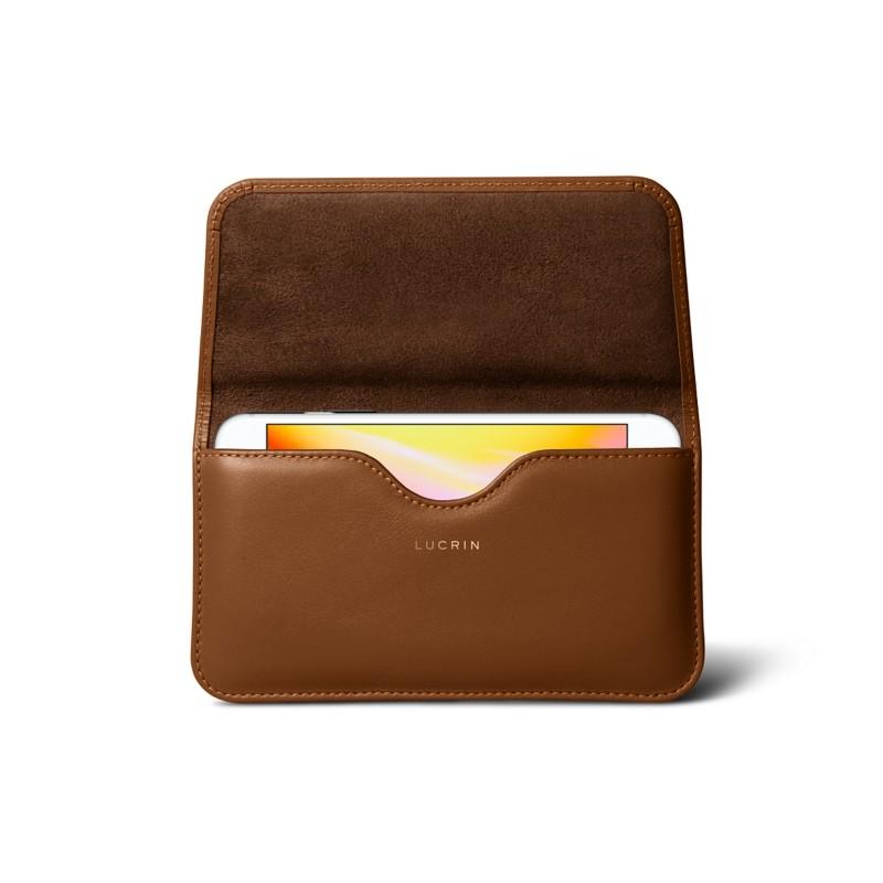 Étui ceinture iPhone 8 Plus Cognac - Cuir Lisse Étui ceinture iPhone 8 Plus  Cognac - Cuir Lisse  9a3ea99b5c6