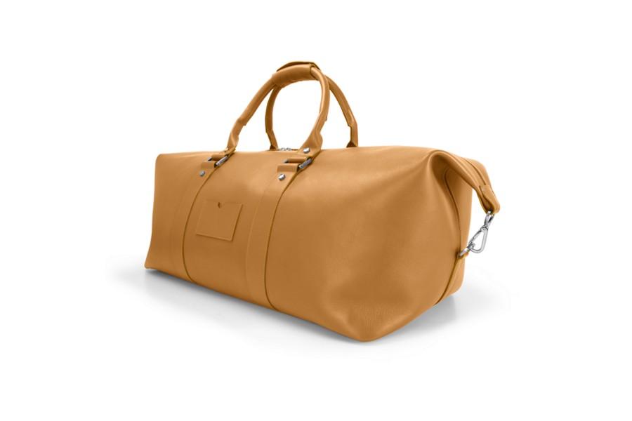 Sehr große und praktische Reisetasche.