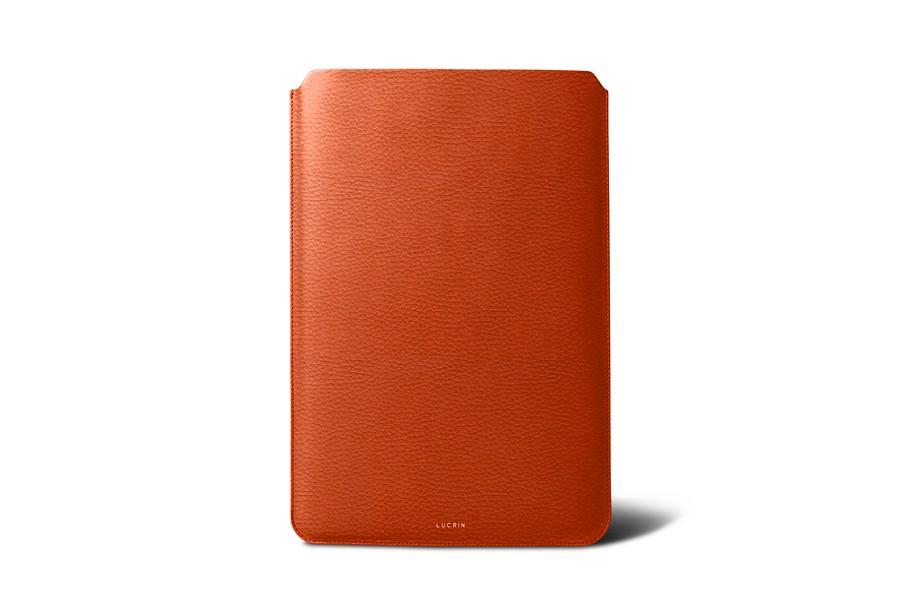 Housse macbook air 13 pouces orange cuir grain for Housse macbook air 13