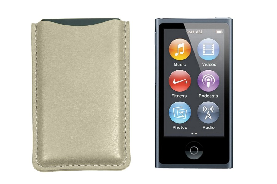 how to turn on and off ipod nano 4