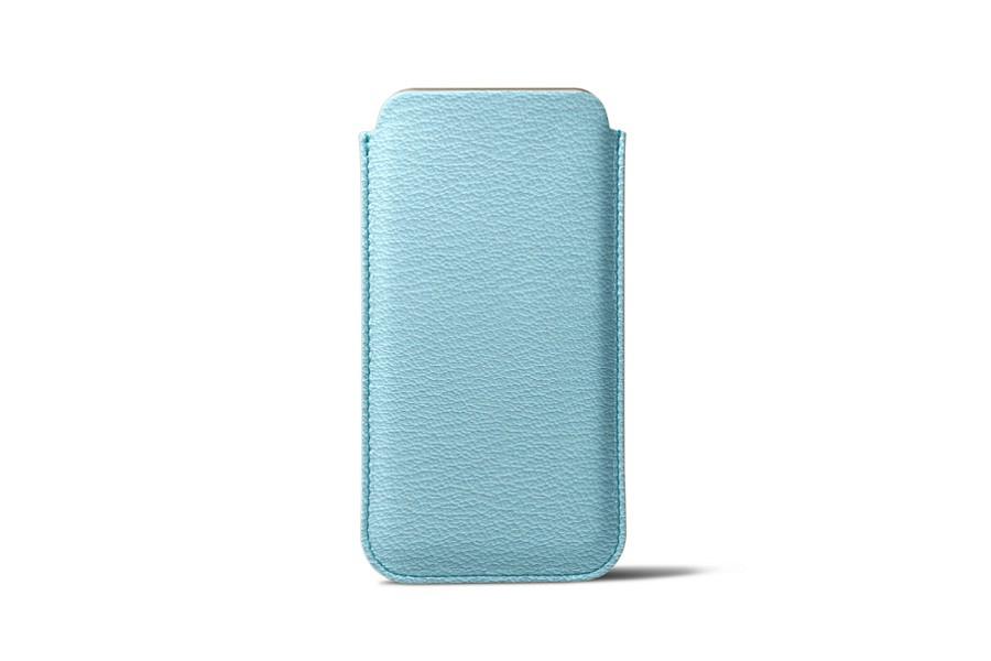 Klassische Tasche für das iPhone 7 - Himmelblau - Ziegenleder
