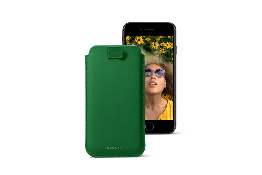 Funda para iPhone 7 con correa de extracción - Verde claro - Piel Liso