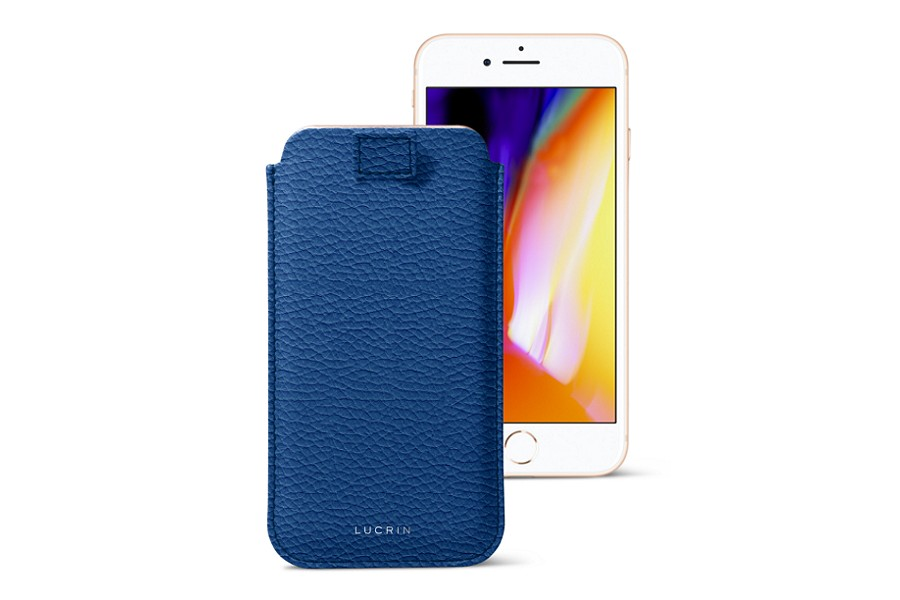 buy online a76e4 e8cfc iPhone 8 Plus case with pull-up strap