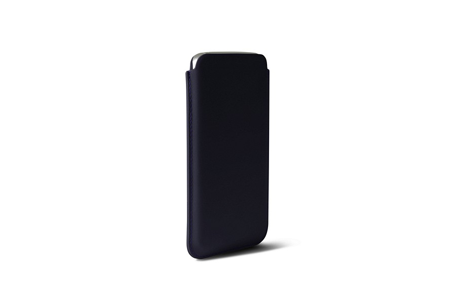 Google Pixel XL pouch with pull-up strap