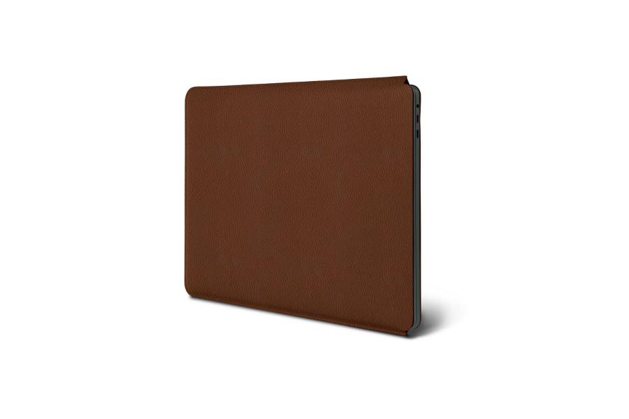 housse macbook pro 13 touch bar 2016 cognac cuir grain macbook pro apple. Black Bedroom Furniture Sets. Home Design Ideas