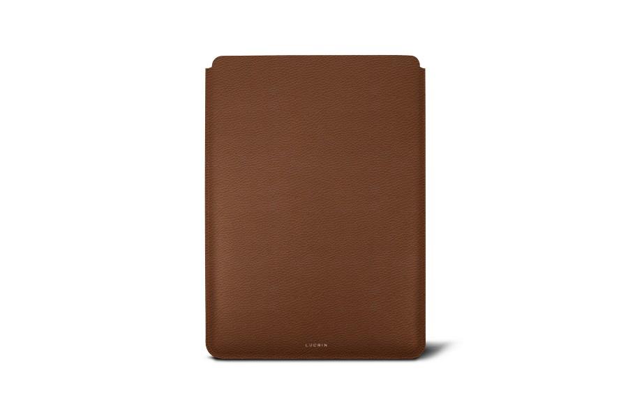 Housse macbook pro 13 touch bar 2016 cognac cuir for Housse cuir macbook pro 13