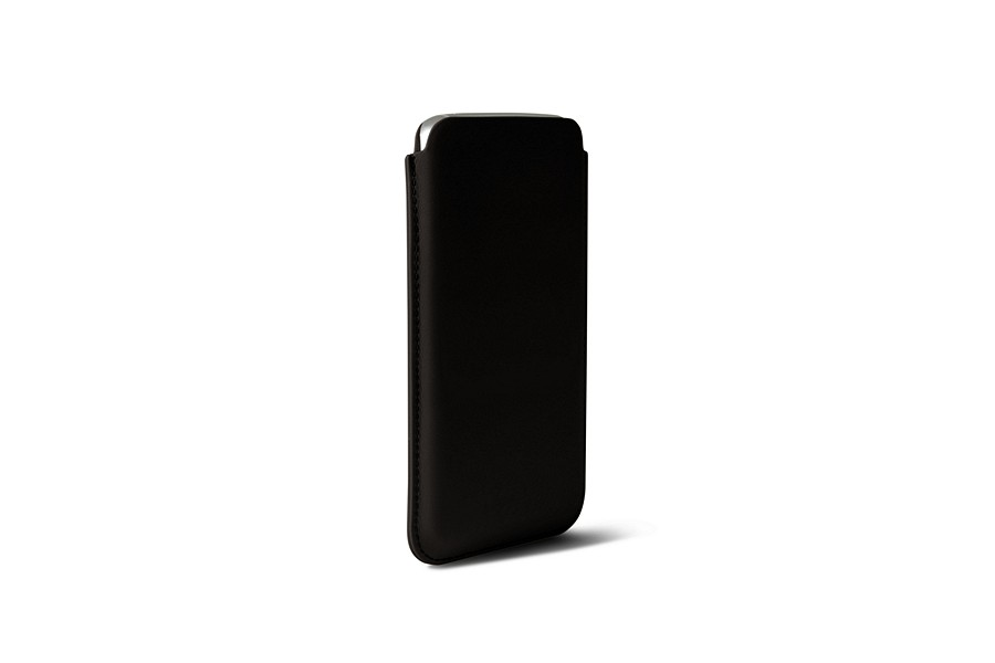 Samsung Galaxy S7 Edge case with pull-up strap
