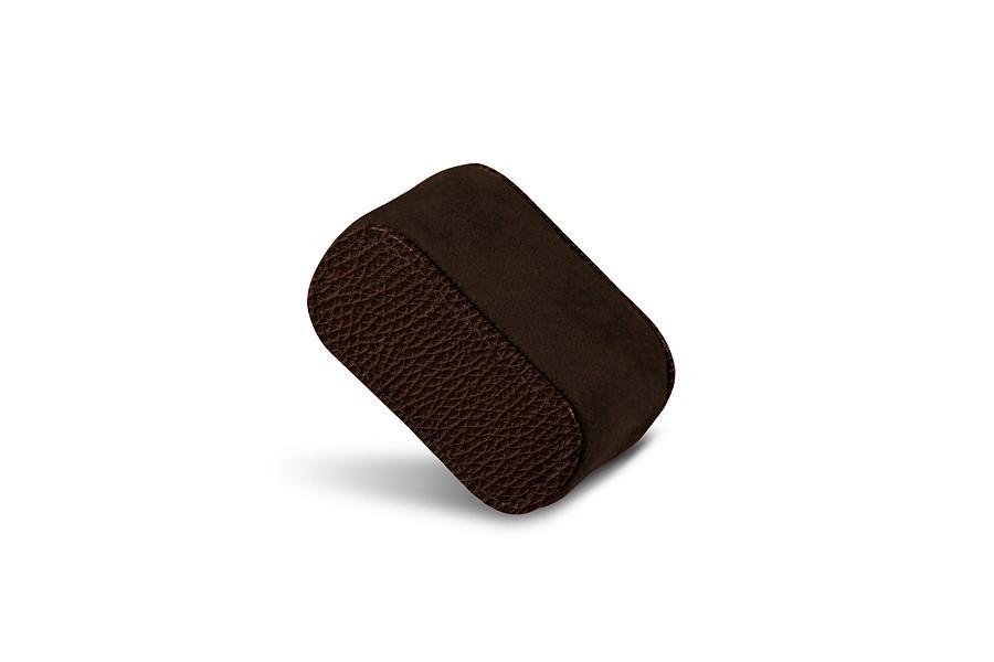 coussin en cuir pour une montre homme. Black Bedroom Furniture Sets. Home Design Ideas