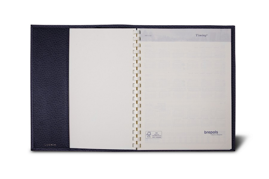 Week-to-week Desk Diary (7.1x 8.7 inches)