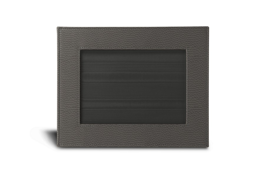 "Small picture frame (9.4"" x 7.5"")"