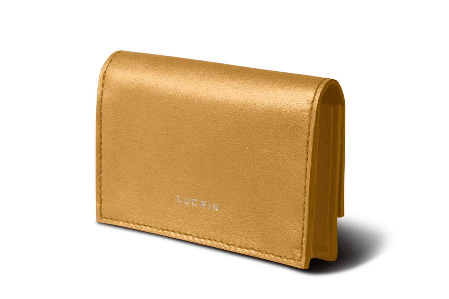 Business card case with magnet closing
