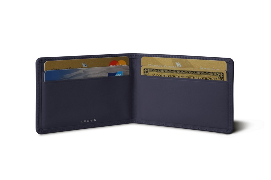 Bi-fold case for 4 cards